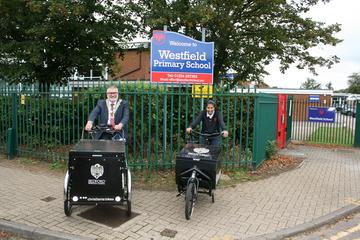 Mayor Dave Hodgson at Westfield School with the eCargo bikes